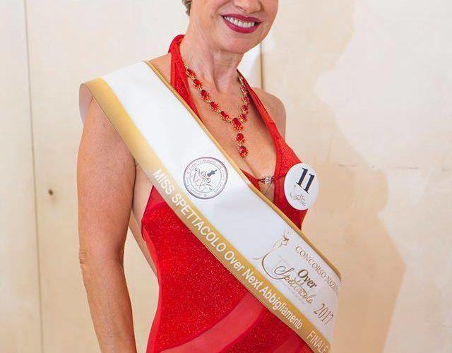 Intervista all' artista Silvana Del Grosso. Tantissime le sue esperienze nel cinema, televisione, moda e danza, è un vero talento dello spettacolo e non solo!!! Parlaci di te? Sono mamma […]