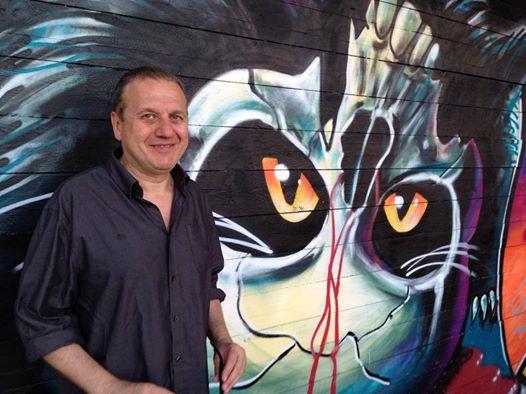 Le sue prime due sceneggiature risalgono al 1990, al servizio del maestro dello splatter tricolore Lucio Fulci, per il quale scrissei violentissimiUn gatto nel cervelloeDemonia. Il curriculum diAntonio Tentori, però, […]