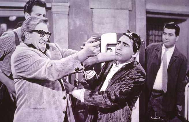 CG Entertainment (www.cgentertainment.it) prosegue il suo interesse nei confronti del cinema italiano di molto tempo fa, editando in dvd un paio di titoli in bianco e nero risalenti agli anni […]
