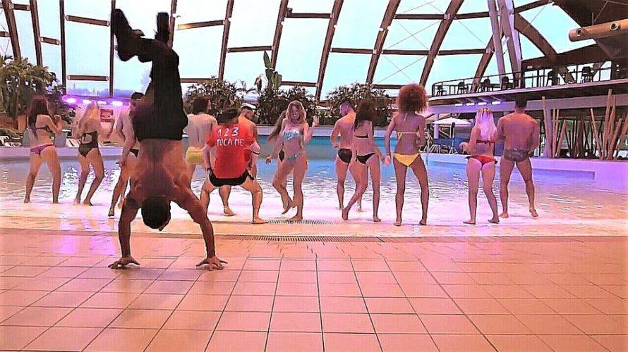 Stefano, sei un elemento polivalente lavorando come coreografo, ballerino, performer e fotomodello…Cosa più ti appaga e gratifica come professione? Ciò che più mi gratifica è sicuramente il ruolo da coreografo, […]