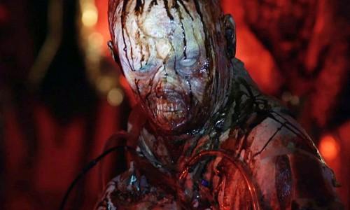 Ricordate Halloween II – Il signore della morte (1981) di Rick Rosenthal, nel quale l'invulnerabile boogeyman mascherato Michael Myers faceva scempio di infermieri e dottori all'interno di un ospedale? Visto […]
