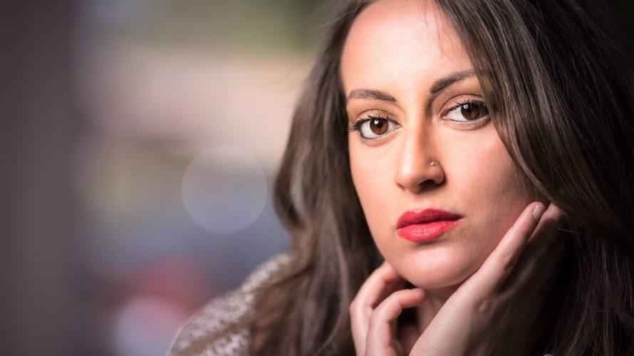 Amici di Mondospettacolo, oggi sono in compagnia di una straordinaria artista, diventata ormai una delle voci più ascoltate di Radio Padania, ma non solo : cantante, attrice, presentatrice e fotomodella! […]