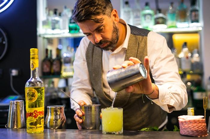 Grande evento di mixology presso il Gin Corner e il Ristorante Baccano di Roma, per la presentazione dei cinque cocktail del Premio Strega Mixology. Novità assoluta del format, la possibilità, […]