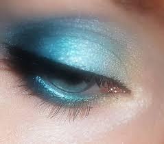 Poco importa quale sia l'occasione per la quale si vuole ottenere un look da star: una pelle levigata, occhi da cerbiatta e labbra carnose sono il sogno che ogni donna […]