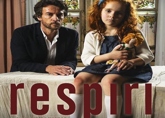 """""""Quanto siamo capaci di convivere con il dolore?"""" è la domanda principale a cui il regista Alfredo Fiorillo, al suo primo lungometraggio, cerca di rispondere tramite il suo thriller Respiri, […]"""