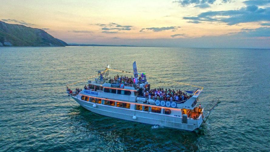 Sabato 23 giugno 2018 primo appuntamento stagionale con Wave Music Boat, party itinerante se ce n'è uno, che salpa dal porto di Rimini, dove torna dopo aver solcato a suon […]