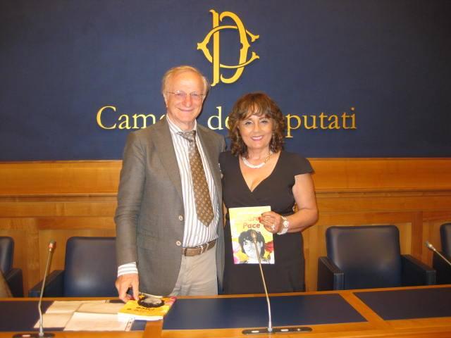 Prestigiosa presentazione di Amore e pace di Maria Pia Cappello (SarpiArte Editore) avvenuta lo scorso 15 Giugno a Montecitorio Camera dei Deputati, Roma. In diretta streming mondiale attraverso il canale […]