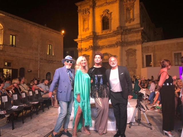 Eleganza, stile e creatività. Sono state queste le tre componenti principali che hanno caratterizzato il Medit Summer Fashion nella sua XI edizione. Uno spettacolo di grande successo organizzato nei minimi […]