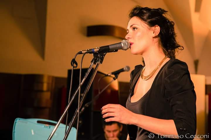 Giulia Galliani presenta il suo ulti mo album.                       […]