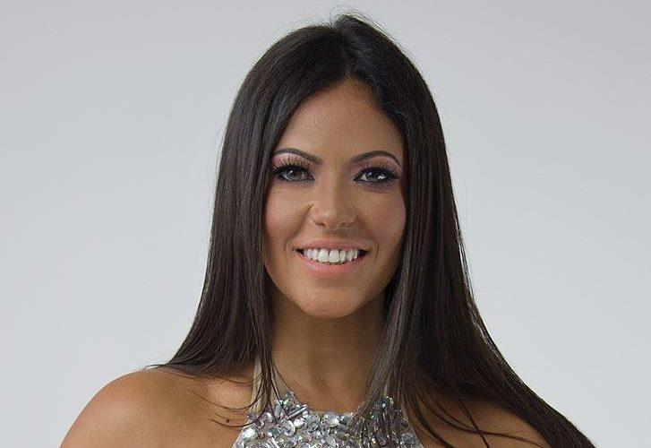 Fabiana Britto, la bellissima showgirl brasiliana (Quelli che il calcio, Grande Fratello ), si è fatta riprendere in un video amatoriale mentre era intenta a ballare, come solo lei sa […]