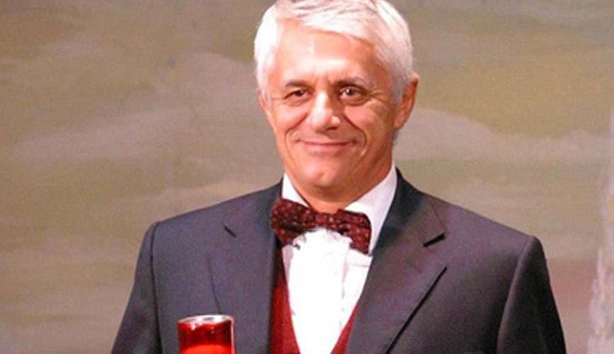 """Oggi per la nostra intervista abbiamo un grande e noto attore, Franco Oppini. La sua carriera iniziò come comico nel '71 a Verona con il gruppo """"I gatti di Vicolo […]"""