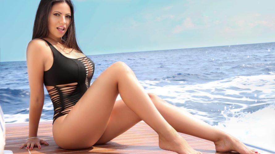 """Fabiana Britto,Playmate di """"Playboy Italia"""" e ora anche di """"Playboy Portogallo"""", protagonista dell'ultima edizione del """"Grande Fratello"""" e ancora ragazza Var della simpatica trasmissione """"Quelli che il Calcio"""" è ormai […]"""