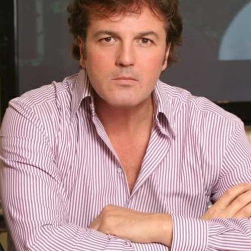 Ospite dell'intervista di oggi, il popolare conduttore televisivo italiano Marco Senise. Dopo gli studi seguiti nell'ambitodella facoltà di Giurisprudenza, si è cimentato nella conduzione delle selezioni di Miss Italia. Il […]