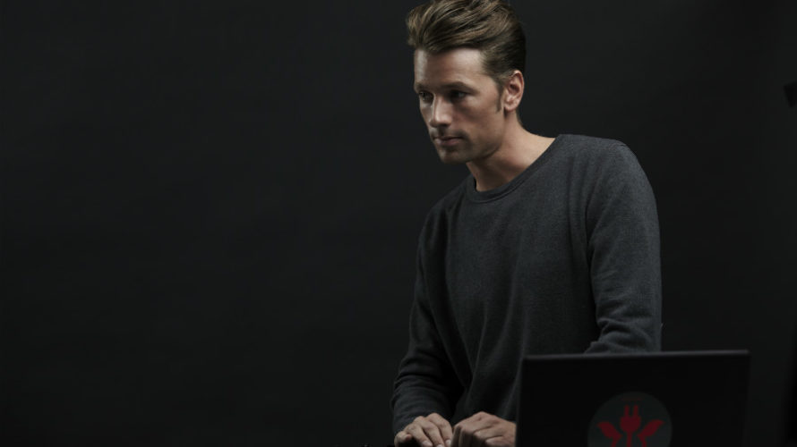 "Ogni estate, spetta sempre Dj Awards di Ibiza decretare la miglior hit elettronica, con il premio ""Track Of The Season"": quest'anno la scelta ha insignito ""Your Mind"" di Adam Beyer […]"