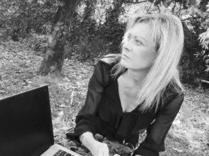 Il Taccuino Ufficio Stampa Presenta Due vite in una chat di Simona Rea In Due vite in una chat l'autrice Simona Rea traccia la storia di Esmeralda e Paolo, due […]