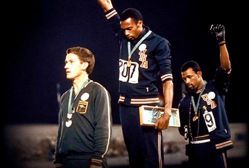 Il saluto – La storia che nessuno ha mai raccontatonarra per la prima volta le origini e le conseguenze del gesto eseguito il 16 Ottobre 1968 dai due atleti afroamericani […]
