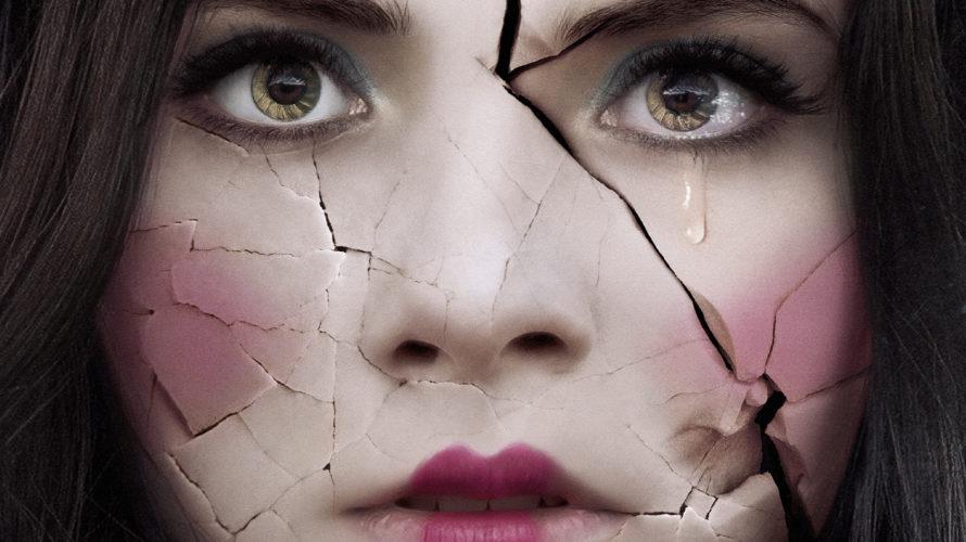 Il 6 Dicembre 2018 uscirà al cinema La casa delle bambole – Ghostland. Distribuito da Midnight Factory, etichetta horror di proprietà di Koch Media, il nuovo incubo di Pascal Laugier […]
