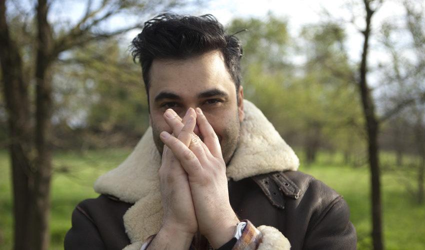 Nuovo singolo per il cantautore romano Tommaso Cuneo, che torna col singolo Stomping Song. Se con il precedente Cordelia aveva esplorato le atmosfere pop-rock e alternative country, con questo nuovo […]