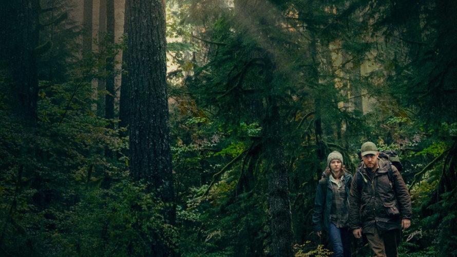 Un padre. Una figlia. La loro insolita vita all'interno di un bosco, lontani da tutto e da tutti. Seppur alquanto strano, il loro mondo sembra perfetto così. Eppure, ciò alle […]