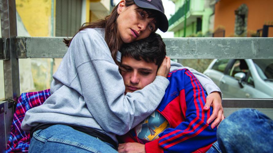 Produzione Lungta Film in collaborazione con Rai Cinema,Un giorno all'improvvisodi Ciro D'Emilio arriva nelle sale cinematografiche il 29 Novembre 2018, distribuito da No.Mad Entertainment. Antonio ha diciassette anni e un […]