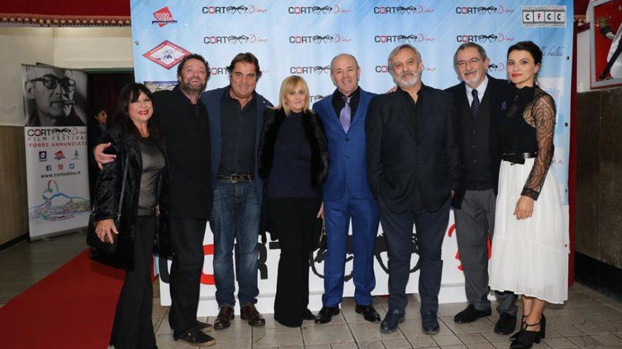 Corto Dino De Laurentiis Film festival Cortodino 2018, cala il sipario sull'ottava edizione del Festival cinematografico Successo di pubblico per l'ottava edizione con premiazione finale della kermesse. Assegnati 10 premi, […]