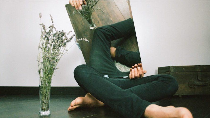 """Che bella sensazione di pulito dietro le note un po' vere e un po' digitali di questo nuovo disco di Francesco Camin. Si intitola """"Palindromi"""" e in qualche misura coniuga […]"""