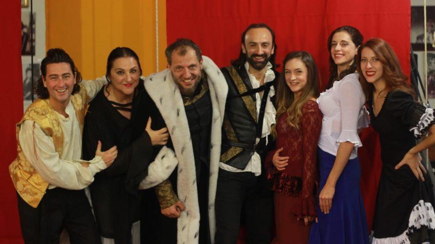Dopo il debutto a Prato, con grande successo di pubblico e di critica, Il Barbiere di Siviglia, commedia musicale pop, con le liriche e le traduzioni di Sandro Querci ed […]