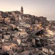 Capitale della cultura 2019, Matera, la città dei sassi, viene raccontata da Francesco Invernizzi nel docu-film Mathera. Tra le più antiche città del mondo, al pari di Aleppo, Matera è […]