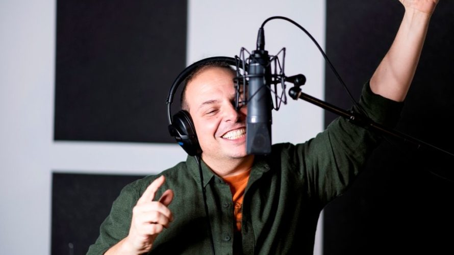 Il cantante romano proporrà il meglio della sua lunga discografia: dai primi brani fino agli estratti dell'ultimo album