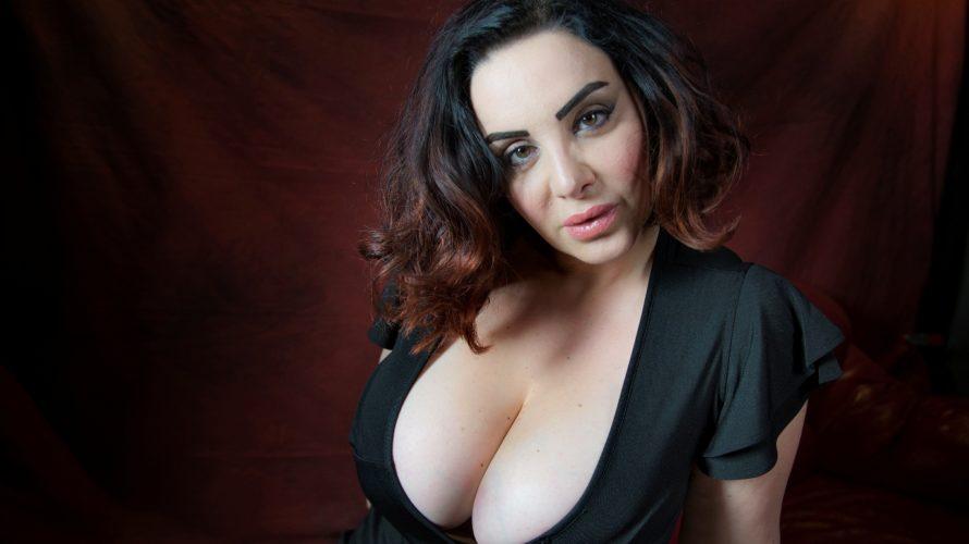 Francesca Giuliano, la modella curvy più nota d'Italia ospite nella trasmissione pomeridiana di Barbara d'Urso ha svelato una dieta per far crescere il seno. La show-girl di Avanti un altro, […]