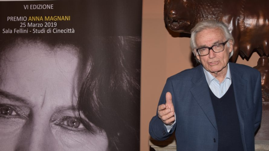 Grande successo ed emozioni nella VI Edizione del Premio Anna Magnani che si è svolta nella suggestiva location della Sala Fellini,presso gli Studi di Cinecittà di Roma,arricchita da una meravigliosa […]