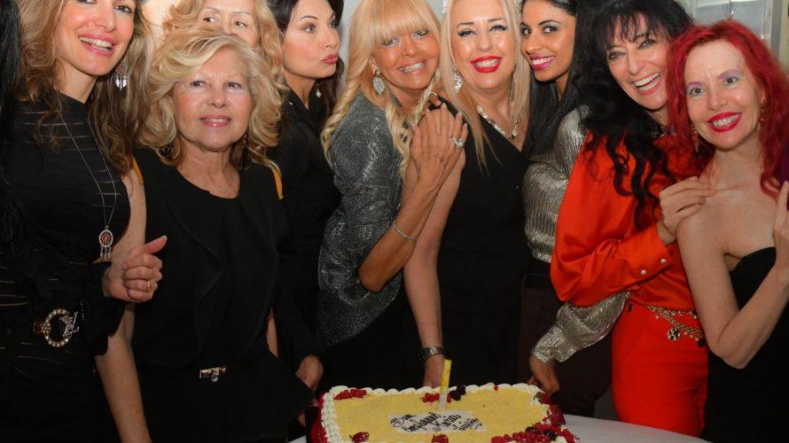 Ha festeggiato in modo itinerante la sua giornata di compleanno l'effervescente Maria Luisa Lomonte Giordano, manager di tanti cantanti e tanti Vip, che nel campo della musica ha saputo portare […]