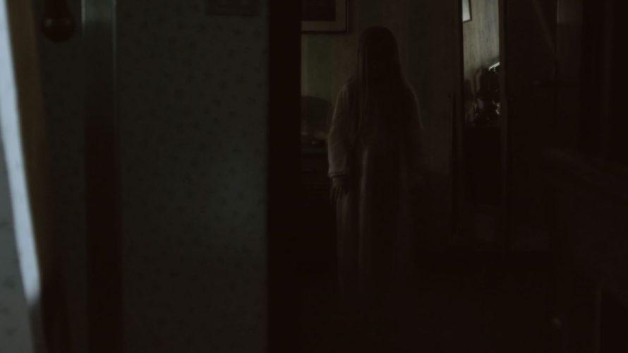Si intitola Il carillon perché fa riferimento a ciò che, all'interno di una scatola riportante uno strano simbolo, la piccola Sophie alias Cearl Pepper trova nella casa dove, rimasta orfana, […]