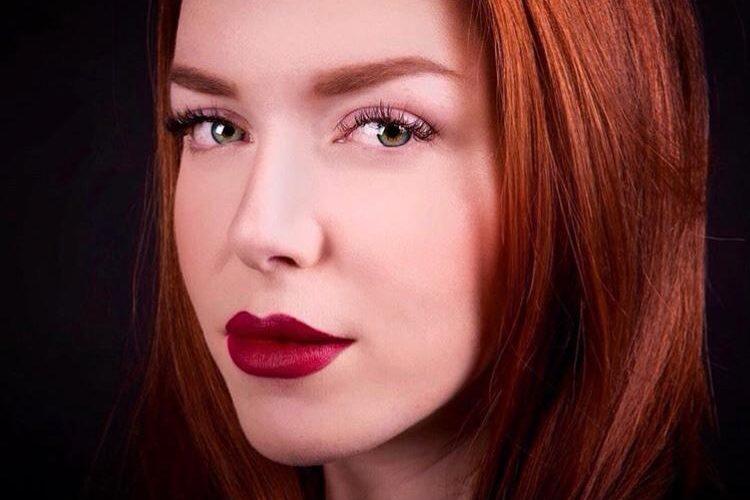 Amici di Mondospettacolo, oggi sono in compagnia di Martina Ottaviani, una bravissima Make Up Artist che potrebbe fare tranquillamente la fotomodella. Ma vediamo di conoscerla meglio con questa intervista. Ciao, […]