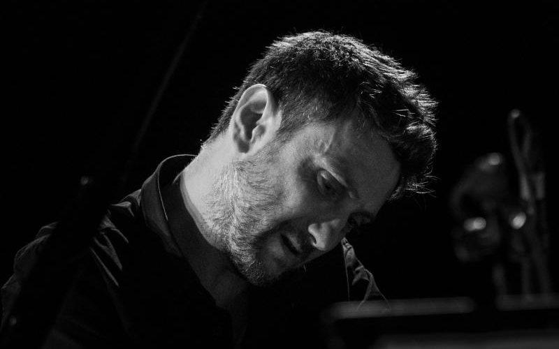 """""""Autumn Colors Suite"""" è il nuovo CD del pianista e compositore Federico Bonifazi, brillante talento del panorama jazz italiano. L'album prodotto dall'etichetta danese SteepleChase Productions ApS è stato registrato a […]"""