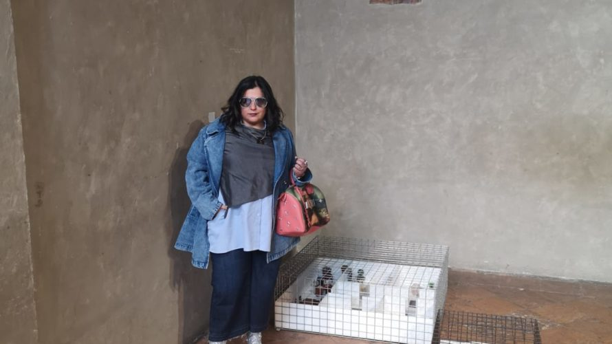 """Nell'Antico Oratorio della passione di S. Ambrogio di Milano in questi giorni di maggio, una mostra intitolata """"Mezzo minuto di raccoglimento"""", raduna le esperienze creative di un gruppo di artiste […]"""