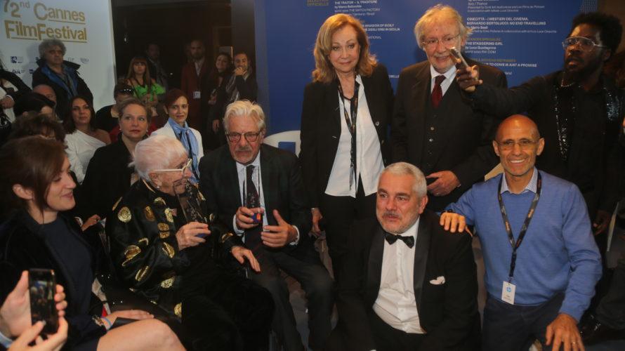 Al 72°Festival di Cannes, si è tenuta la presentazione della 17^ edizione del Premio Kinéo – Diamanti al Cinema. Premiati alla Croisette la grande regista Lina Wertmüller e Giancarlo Giannini, […]