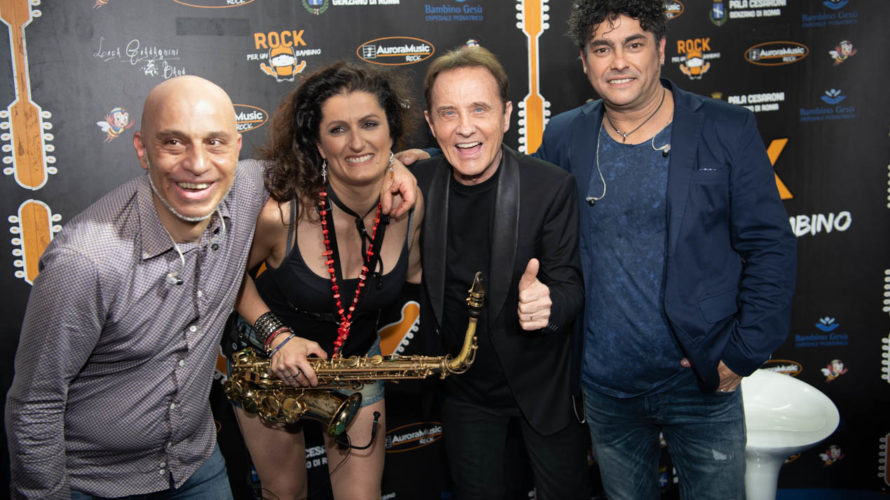 """Grande musica, spettacolo e beneficenza hanno caratterizzato l'undicesima edizione di """"Rock per un bambino"""", al PalaCesaroni di Genzano,ideato e organizzato daLuca Guadagnini e da sua moglie Genni, l'incasso è stato […]"""