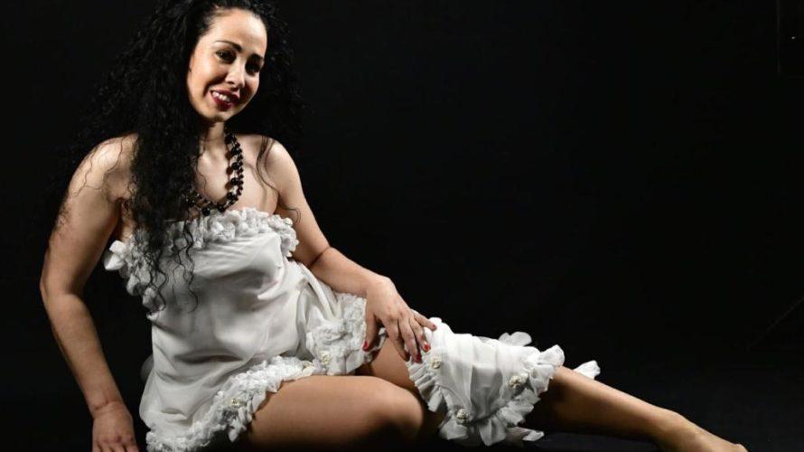 Amici di Mondospettacolo, oggi con questa intervista vi presenterò un'attrice Albanese: Enkeleda Kosova. Ciao Enkeleda, presentati al nostro pubblico. Ciao Alfonso e buongiorno a tutti i lettori di Mondospettacolo. Mi […]