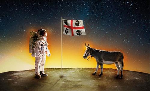 Parlare di un film come L'uomo che compró la luna non è facile, perché non rientra in nessuna categoria cinematografica ben identificabile. Si tratta del secondo lungometraggio del regista Paolo […]
