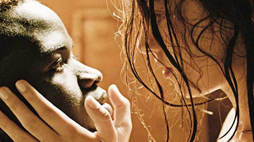 Dopo l'esordio nel progetto collettivo Feisbum (2009), che ha preceduto la commedia romantica Febbre da fieno (2011), Laura Luchetti torna dietro la macchina da presa per mettere in scena la […]