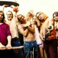 In principio vi fu Dogtown and the Z-Boys, documentario diretto nel 2001 da Stacy Peralta e che raccontava dei pionieri anni Settanta dello Zephyr skating team. Da una costola di […]