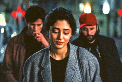 Il debutto alla regia per l'attore Louis Garrel,Due amici, sembra in qualche maniera essere l'alternativa (letteralmente) scarnificata del Mektoub, my love di Abdellatif Kechiche. Dove in uno vi sono corpi […]