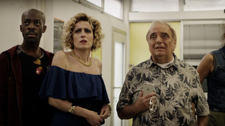 In attesa della sua uscita ufficiale nelle sale cinematografiche, a partire dal 22 Agosto 2019 distribuito da Ahora! Film, il thriller/black comedy Pop Black Posta di Marco Pollini prosegue il […]