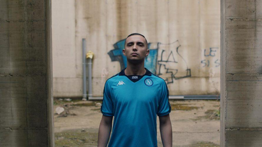 Amici di Mondospettacolo, oggi il vostro Ghyblj intervisterà per voi un bravissimo rapper italiano, il suo nome? Colza! Ciao Colza, cosa ispira un giovane ragazzo a diventare una star internazionale […]