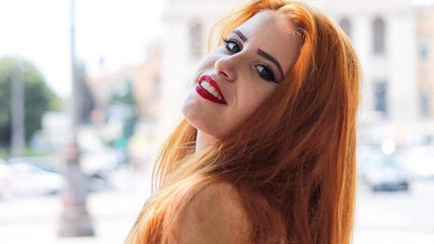 Amici di Mondospettacolo, oggi vi propongo un gradito ritorno, infatti, vi proporrò la bellissima Carola Antonellis, la fotomodella/attrice della quale vi avevo già scritto in un precedente articolo. Eccola qui, […]
