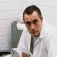 Quando nei primi anni Novanta il thriller capolavoro Il silenzio degli innocenti conquistò il grande pubblico, afferrando addirittura cinque pesantissimi Oscar, tra le persone tornò a riecheggiare nella memoria un […]
