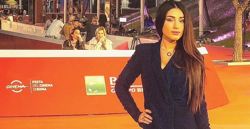 Roma, 23 ottobre 2019. L'attrice Stefania Marchionna, ha partecipato al Red Carpet della Festa del Cinema di Roma il 22 ottobre, durante la premiere di John Travolta. Stefania, è reduce […]