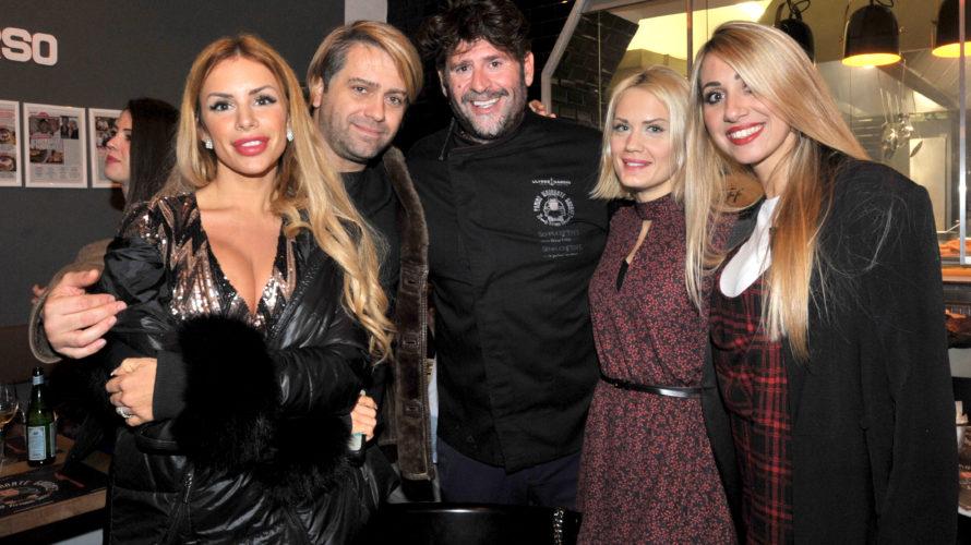Il Panino Ignorante Gourmet continua ad animare Via Vigevano a Milano. Dopo le sfide culinarie lanciate ai personaggi della tv, Il panino Ignorante Gourmet si riconferma essere un luogo d'incontro […]
