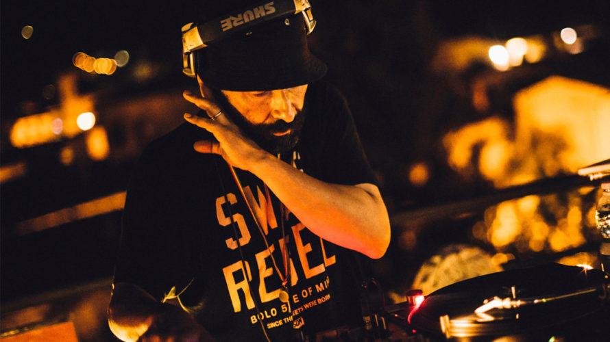 """Una serata Hip-Hop suonata live dove sul palco dell'Angelo Mai s'incontrano musicisti, cantanti, rapper, DJ e beatboxer per superare confini e generi musicali. Questo è """"It's The Joint!"""", dove una […]"""